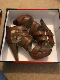 Beautiful lady shoes By Guess! Lithonia, 30038