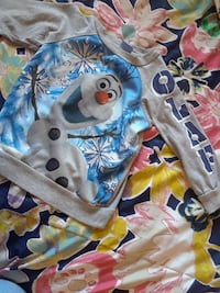 gray and teal Frozen's Olaf-printed sweater Victorville, 92392