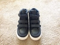 Brand new Babygap toddler shoes size 10 25 mi