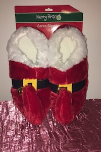 NEW NEW -- Santa Slippers Adult Medium 7-8 (2 available) Frederick, 21703