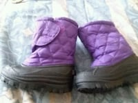 pair of purple sheepskin boots Jonesborough, 37659