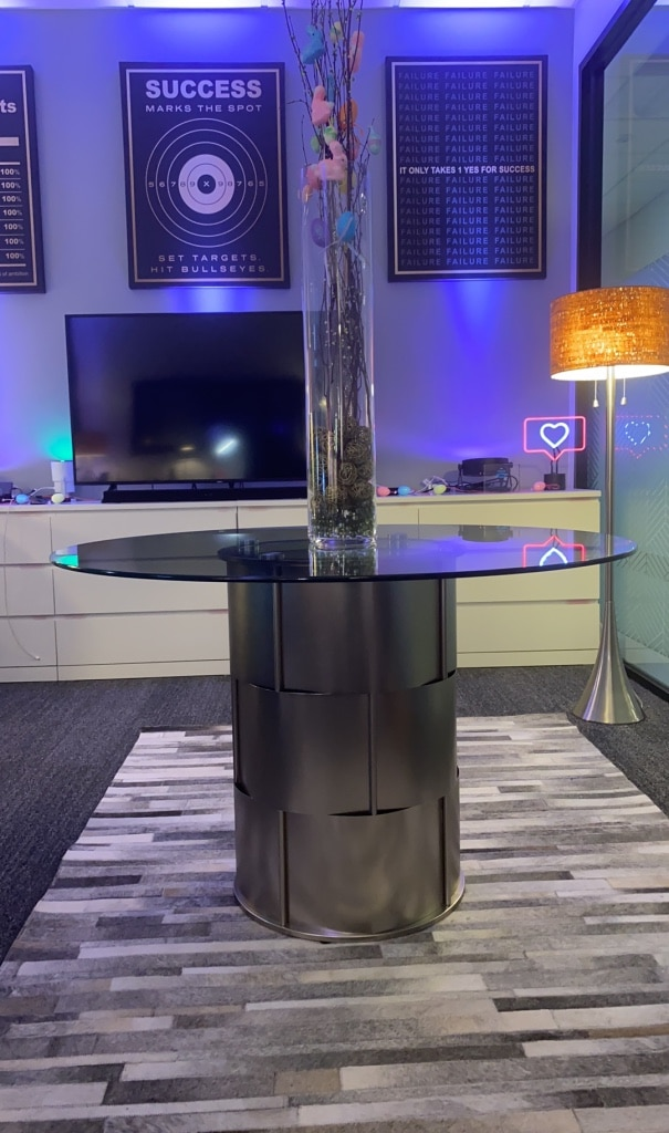 Photo Dining Table - Round/Glass Top 48