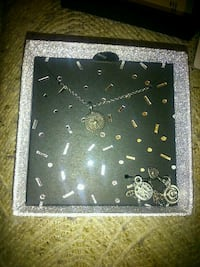 Necklace with extra charms  London, N5W 2Y8