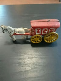 ANTIQUE CAST IRON ICE WAGON  Johnston, 02919