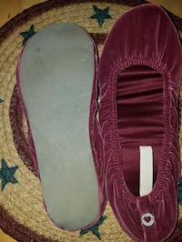 Victoria Secret slippers size m (6-7)