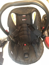 Britax child car seat and base Brantford, N3T 4V5
