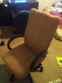 Tan rolling office chair Houston, 77077