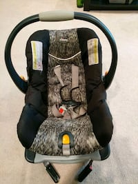 Chicco black and gray car seat carrier Upper Marlboro, 20774