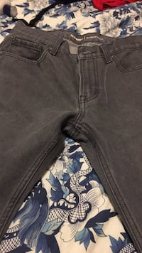 Old Navy jeans for men. Winnipeg, R2J 1C2