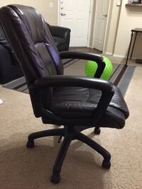 Rotating and tilting Computer Chair in great condition for sale Phoenix, 85085