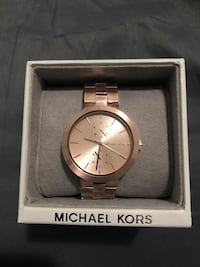 Michael kors watch  Calgary, T3J