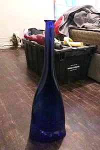 A blue blown glass vase Independence, 64052