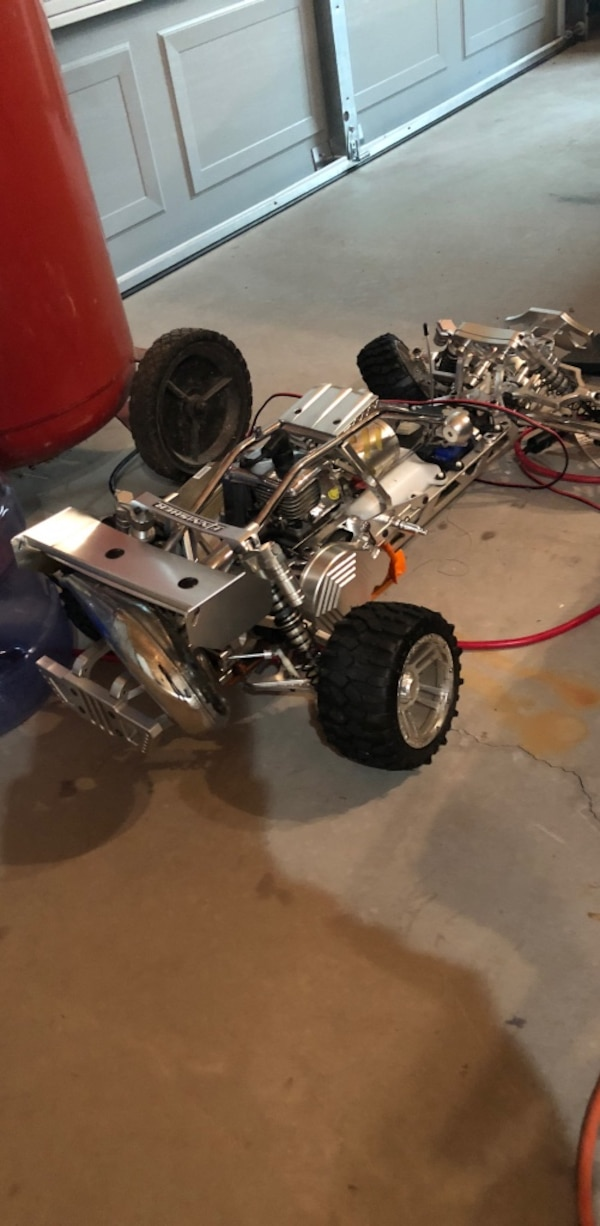 1/5 Scale Billet Heavily Upgraded 2 Stroke RC Buggy!