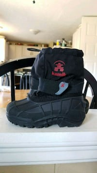 Kid's Snow Boots size 8