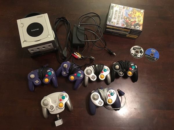 Nintendo GameCube w/ 6 controllers and 9 games