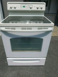 white and black smooth top range oven Temple Hills, 20748