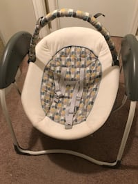 baby's white and gray swing chair Richmond, 77406