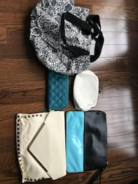 Hand bags and purses. Beach bag in good condition for $5.00, Oakville, L6M 0L5