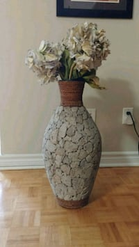 Beautiful Vase Toronto, M2N