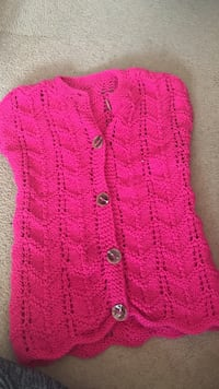 pink knit button-up vest Montréal, H9H 5E9
