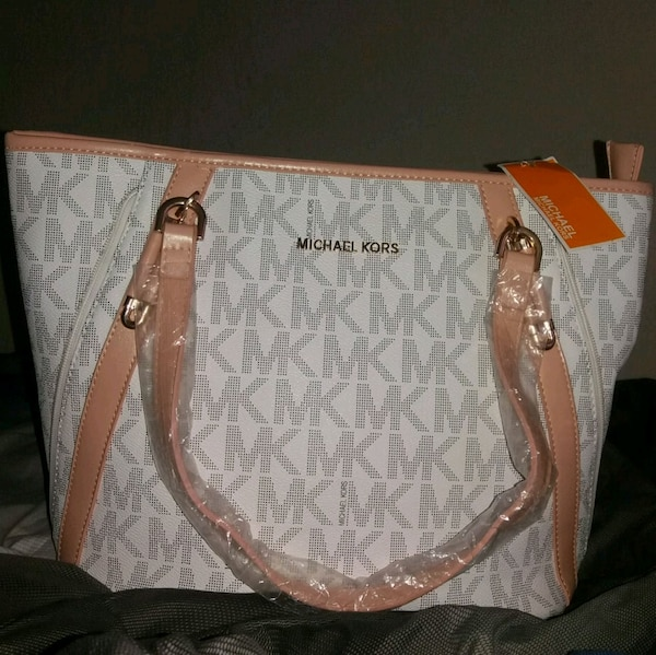b881d5f5f137 Used NEW HANDBAG  30 FIRM for sale in Statesboro - letgo