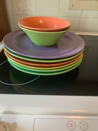 Dishes new like condition Toronto, M5N 2N6