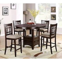 Beautiful table and 4 chairs! Toronto, M9R 4A3