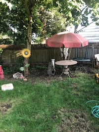 Tile table w big red umbrella, needs cleaning Portland, 97206