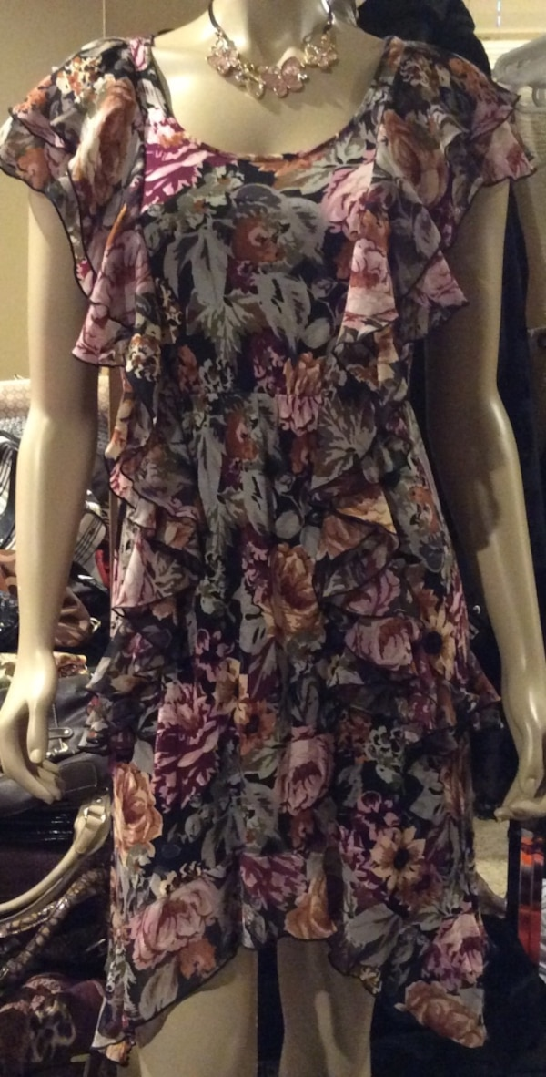 H& M pink, red, black, beige, gray, & brown floral ruffled sleeveless dress ( new )