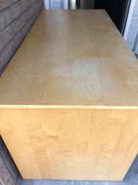 Woos desk with drawers Newmarket, L3X 1L6
