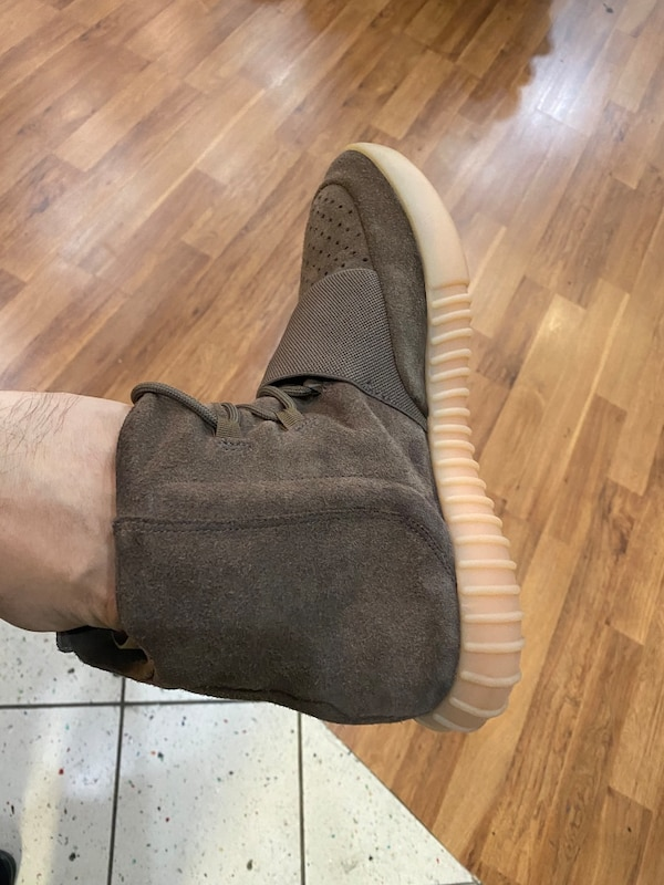 Chocolate Yeezy boost 750 size 9.5 2