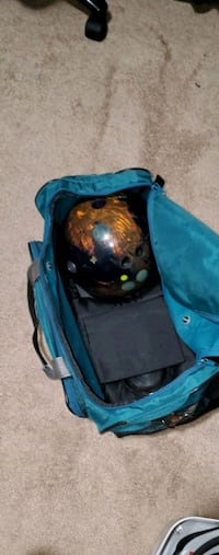 Bowling 2 ball tote and 3 balls Antioch