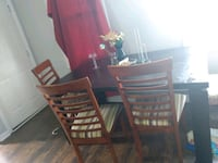 Table and chairs - need gone