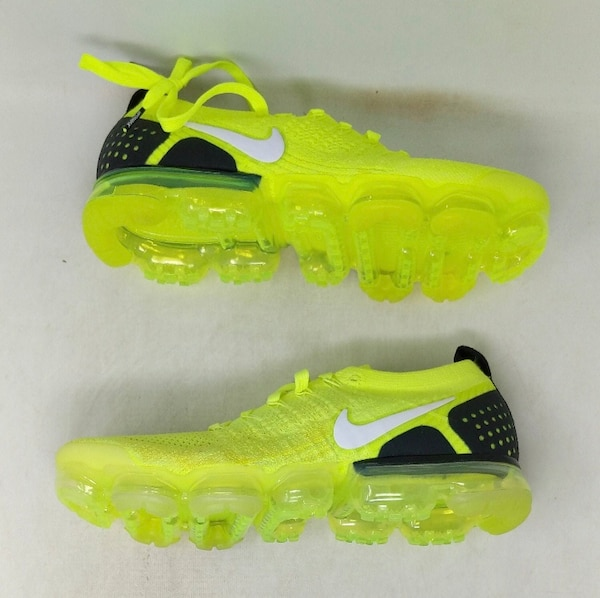 buy popular b0330 42b7b Nike Air Vapormax Flyknit 2 Volt Size 10.5