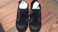 pair of black sneakers with 2 1/2 inch heal Loxley, 36551