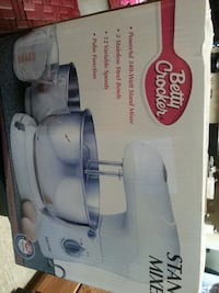 white Betty Crocker stand mixer box Knoxville, 37921