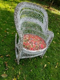 Antique red and white wicker basket rocking chair Richmond Hill, L4C 2C7