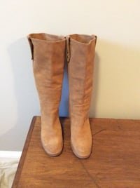 UGG tall suede boots size 8.5 Woodbridge, 22192