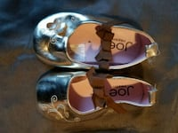 Gold butterfly shoes size 4 Toronto, M6M 4E1
