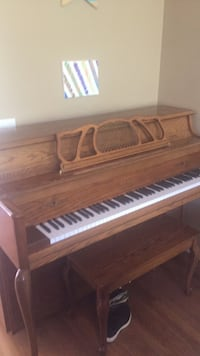 brown wooden upright piano with chair Arden, 28704
