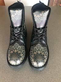 Leather boots women's size 8 Leesburg
