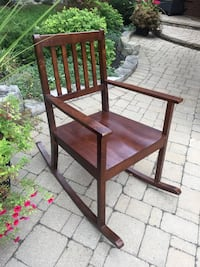 Solid wood indoor beautiful rocking chair Newmarket, L3Y 8H9