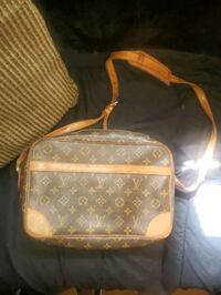 Louise Vuitton side bag New Westminster