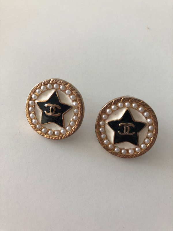 Chanel earrings a4faeee3-0575-4204-aacc-f896c8d942a8