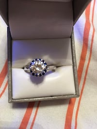 Sterling silver and white and blue sapphire ring 714 mi