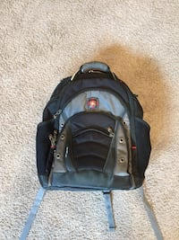 Swissgear Synergy laptop carrying backpack