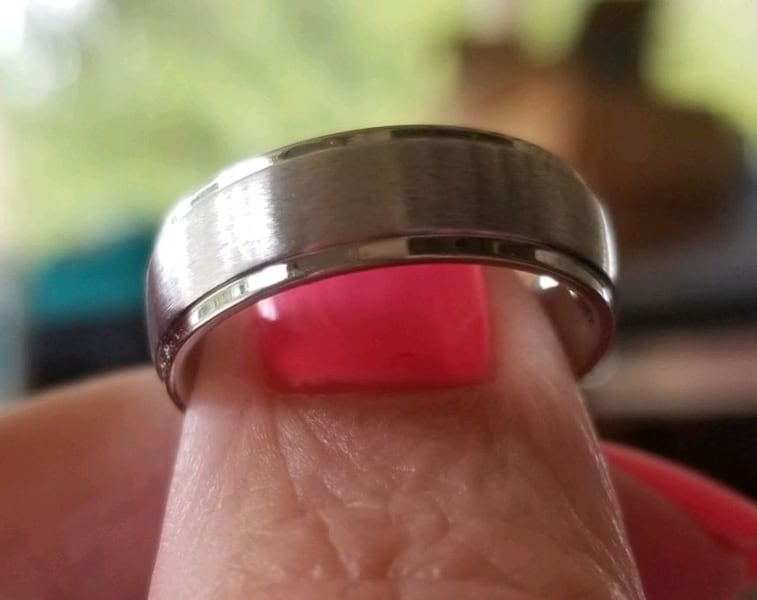 Stainless steel wedding band.... size 6 5c8020fc-f403-4911-aaee-1e5e15fdc270