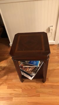 End table  Tampa, 33624