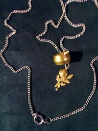 gold chain necklace with pendant Renton, 98057
