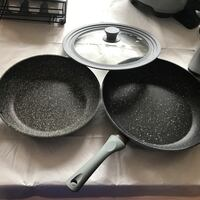 2 non-stick frypans with a lid that fits both- PFOA free Leesburg, 20176